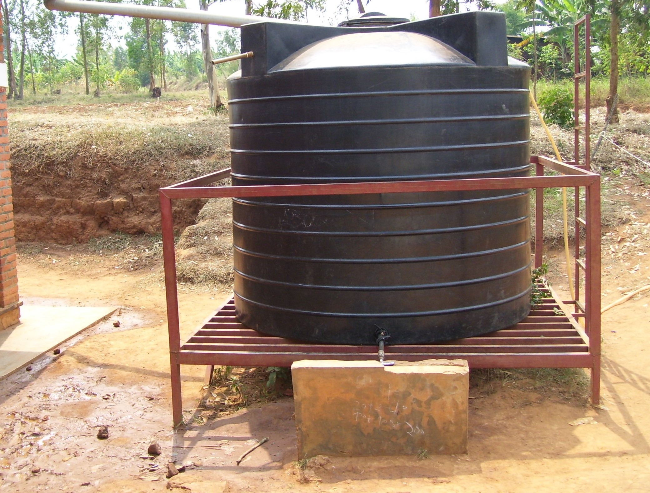 Rainwater_harvesting_tank